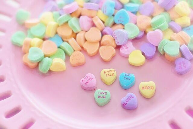 ピンク色が好きな人とカップルになる3つの方法 2